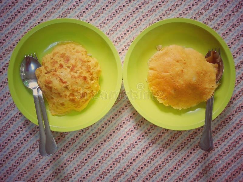Omelet en rijst royalty-vrije stock afbeelding