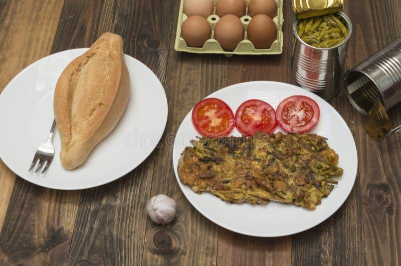 Omeleta com aspargo fotos de stock