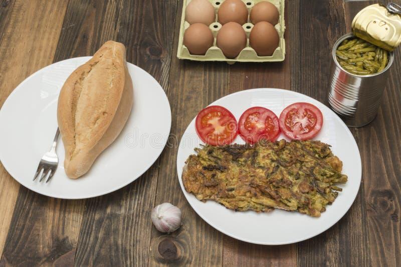 Omeleta com aspargo fotografia de stock royalty free