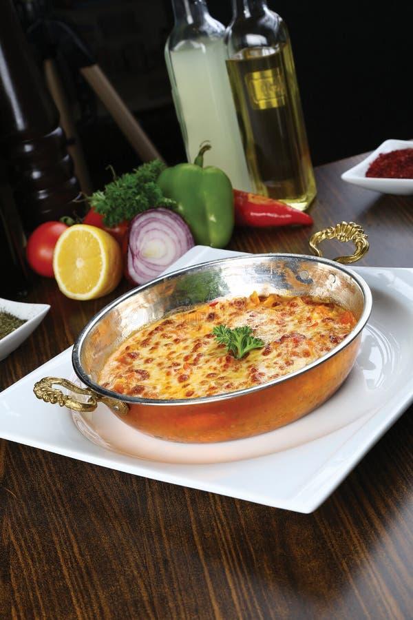 Download Omelett in der Wanne stockbild. Bild von essen, kräuter - 96928879