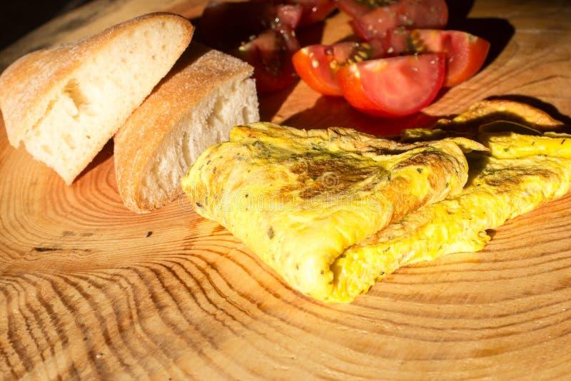 Omelett med ost arkivbild