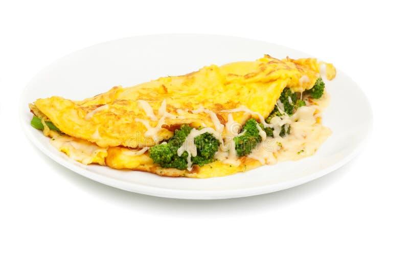 Omelett mit Käse und Brokkoli lizenzfreies stockbild