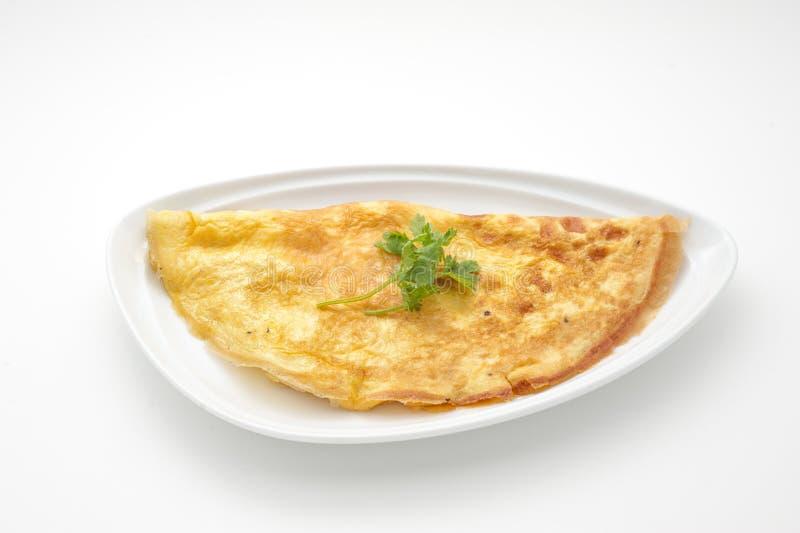 Omelett mit Sellerieblättern stockfoto