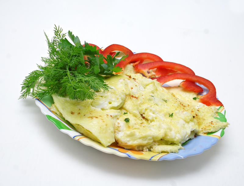 Omelett på plattan. arkivfoto