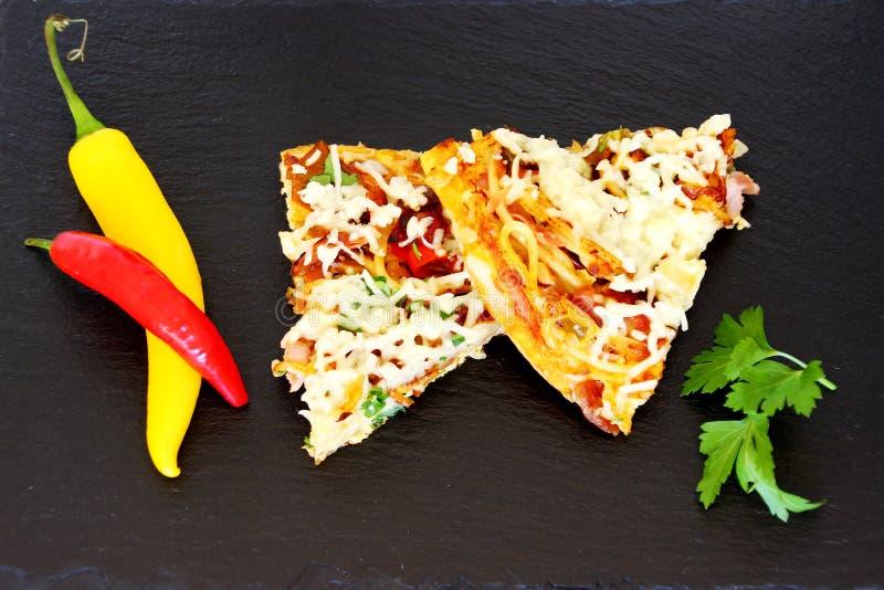 Omelett-Scheiben lizenzfreie stockfotografie