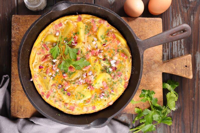 Omelette ou tortilla photos stock