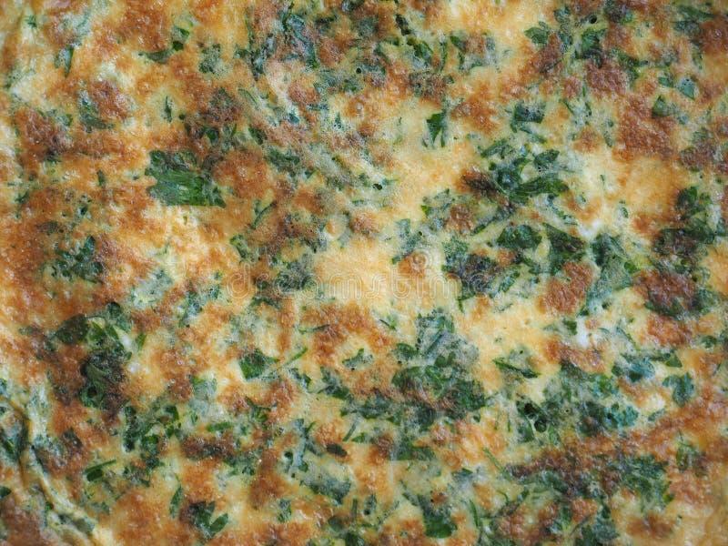 omelette robić od smażących bijących jajek zdjęcia royalty free