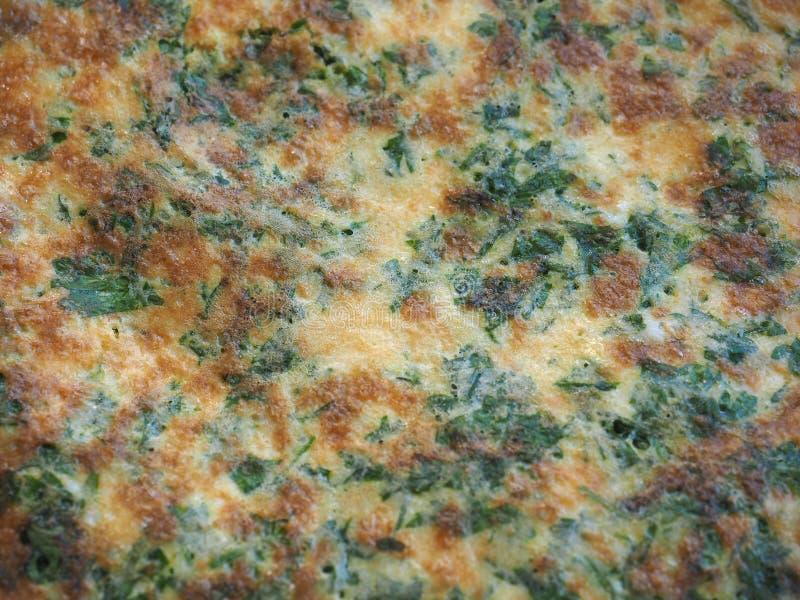 omelette robić od smażących bijących jajek fotografia stock