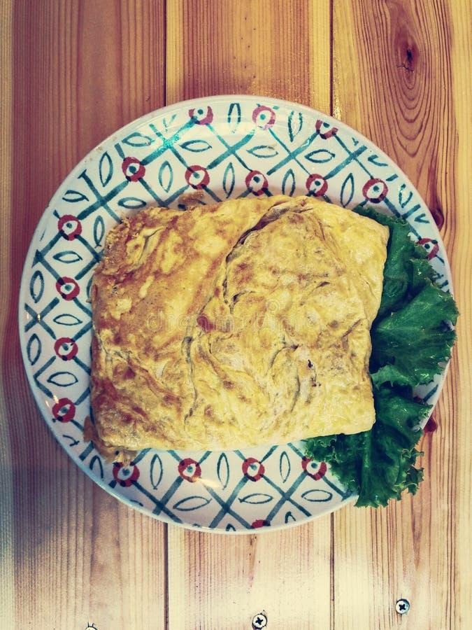 Omelette sul piatto fotografia stock