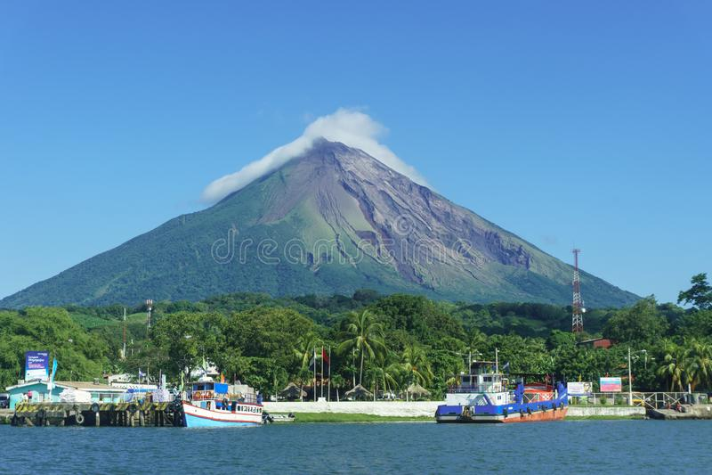 Ometepe wyspa, Nikaragua Widok Voclano Concepcion zdjęcia stock