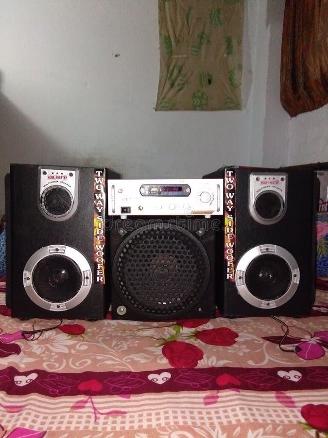 Omge - den solida högtalaren, omger högtalareproducenter, leverantörer & exportörer i Indien royaltyfria bilder