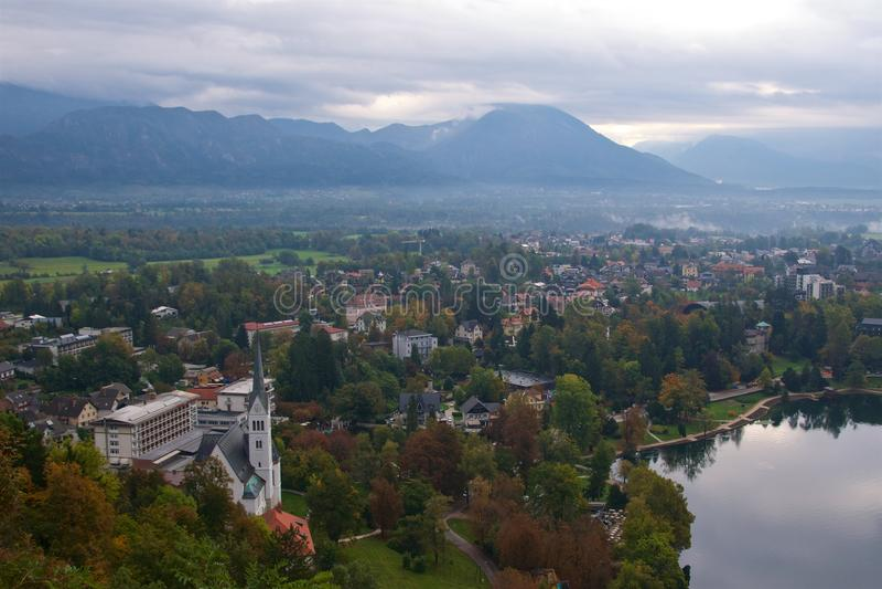 Omgeving rond Afgetapt Meer in Slovenië stock afbeelding