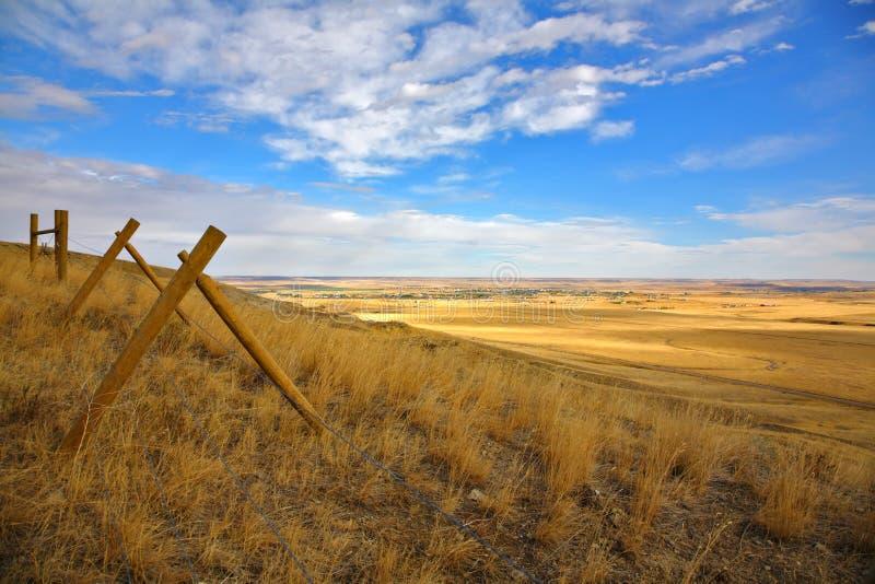 Omheining in de Amerikaanse prairie stock afbeeldingen