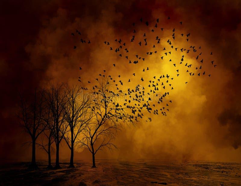 Ominöse tote Bäume, Vogel-Hintergrund stockfoto