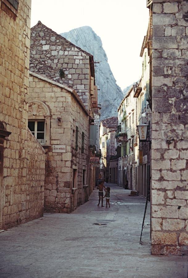 Omis, come ha guardato 50 anni fa La Croazia immagine stock libera da diritti