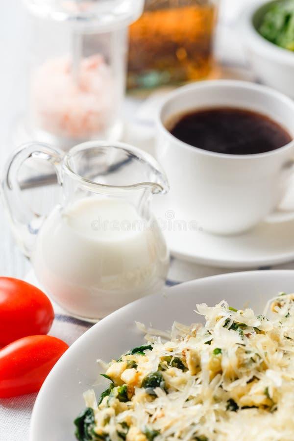 Omlet z szpinakiem fotografia stock
