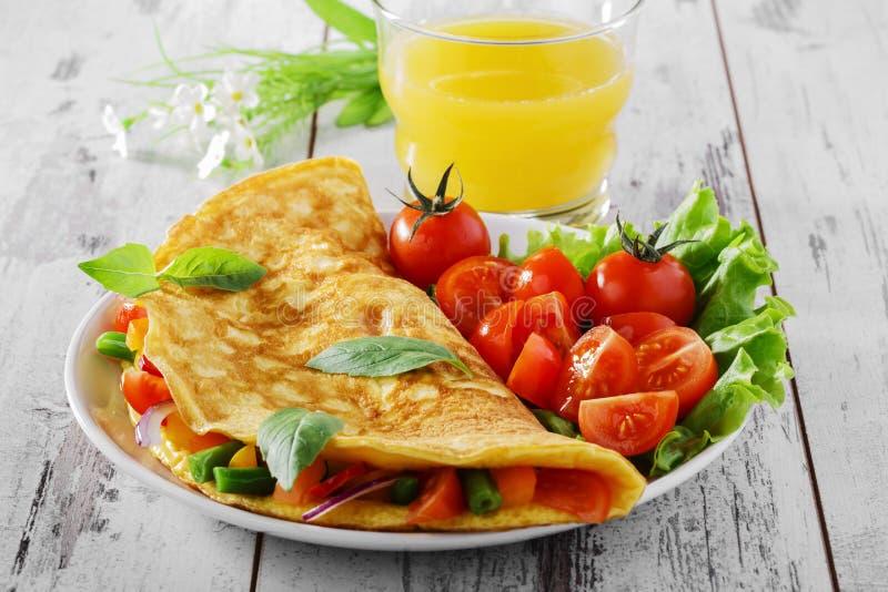 Omlet z warzywami zdjęcie royalty free