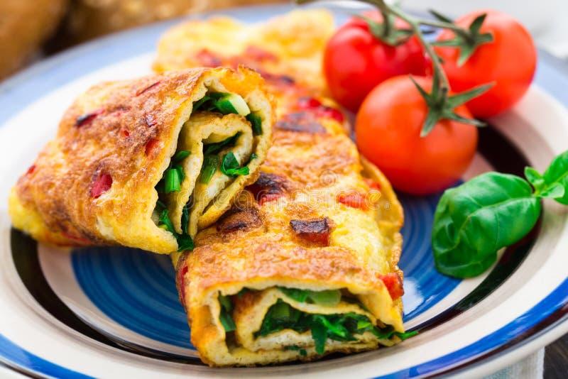 Omlet z warzywami i ziele zdjęcie royalty free