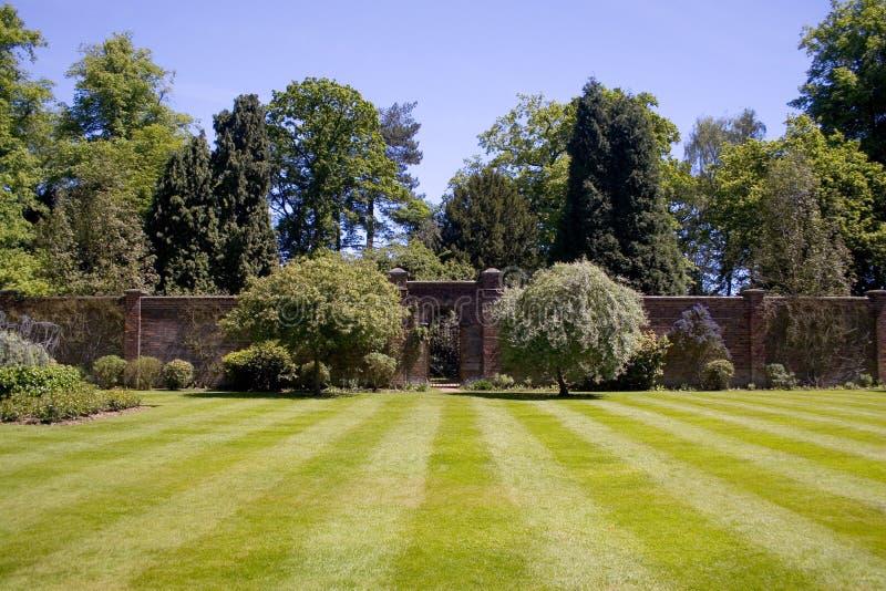 Ommuurde tuin royalty-vrije stock afbeelding