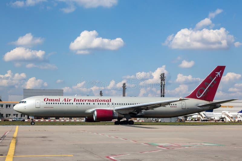 Omni Air International Boeing 767-300ER zdjęcia royalty free