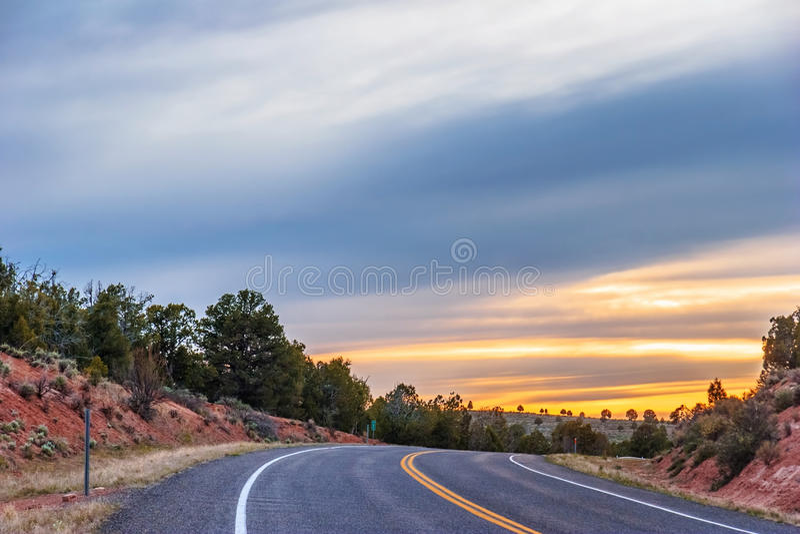 Omnibus de coucher du soleil photo libre de droits