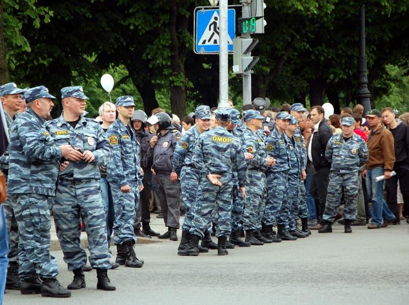 OMON на акции протеста стоковые изображения rf