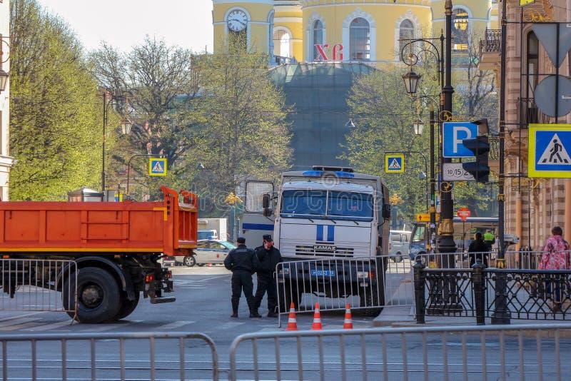 OMON-lastbil för fördröjde medborgare royaltyfria foton