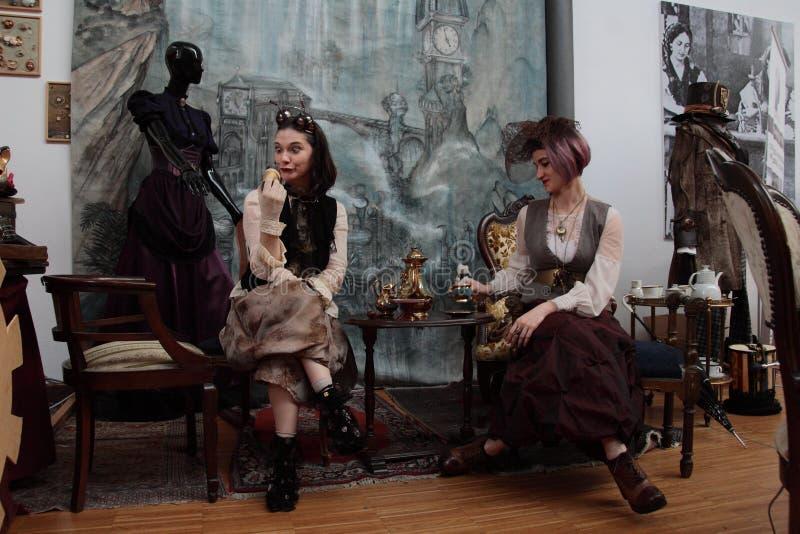 Område av oberoende tillverkare - den Steampunk designen - uttryck och tolkningar royaltyfri foto