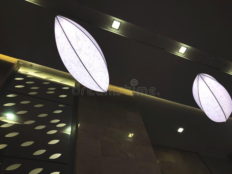 Område för hallkontorsbyggnadlobby Inre för modern design för kontorsbyggnad fotografering för bildbyråer