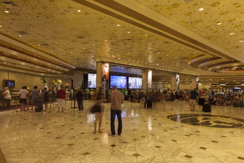 Område för MGM-hotellregistrering i Las Vegas, NV på Augusti 06, 2013 royaltyfri fotografi
