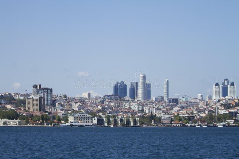 Området av Istanbul mycket av skyskrapor Maslak royaltyfri fotografi