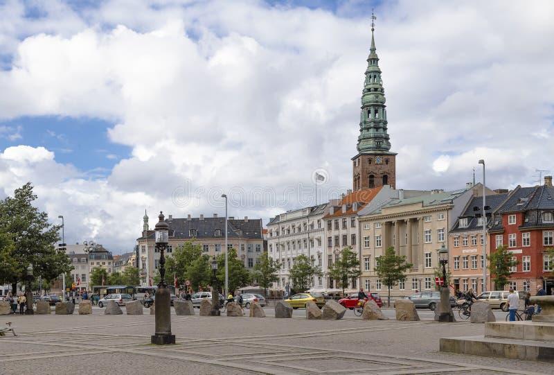 Området framme av den kungliga slotten i Köpenhamn arkivbilder