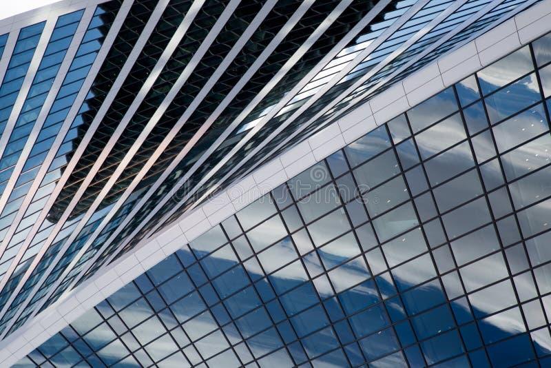 Omr?de av aff?rsmitt Glass skyskrapafasad teckning f?r bl? kompass f?r arkitekturbakgrund djup ?ver arkivfoto