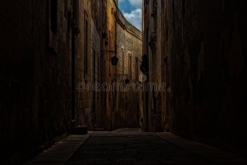 Omringende Muren en Smalle Wegen in Mdina, Malta royalty-vrije stock afbeelding
