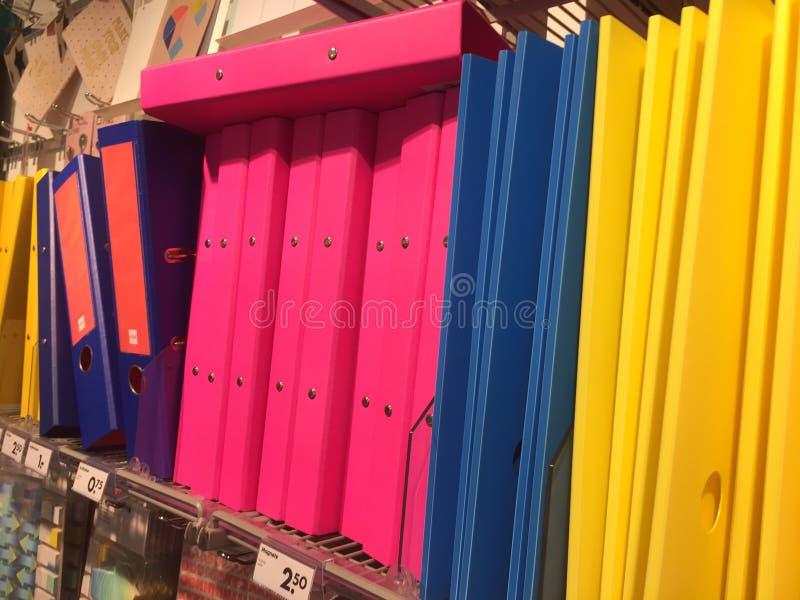 Omslagen en bindmiddelen voor verkoop stock foto