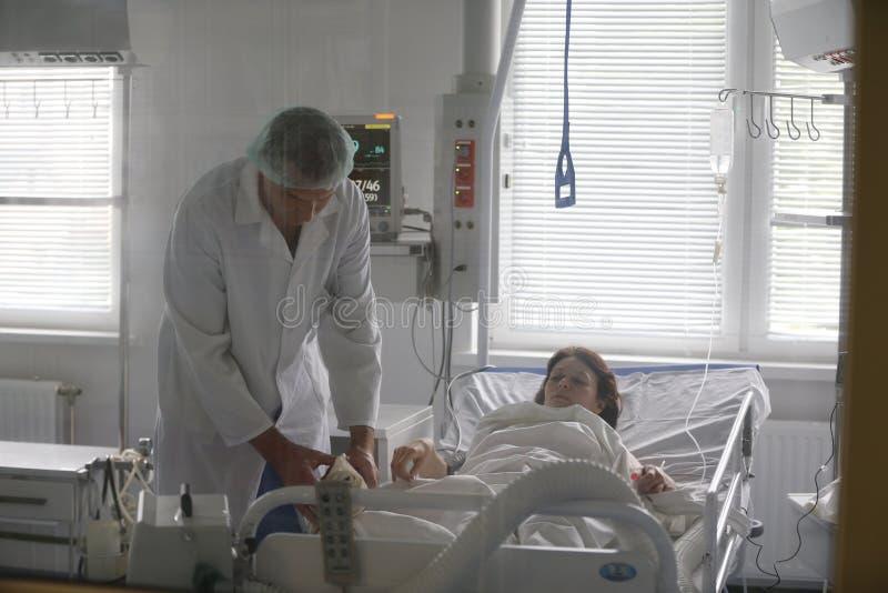Omsorg av patienten royaltyfria foton