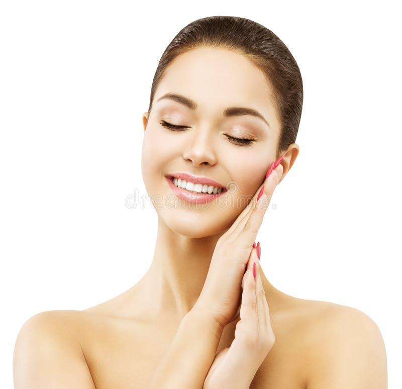 Omsorg för kvinnaframsidahud, lycklig le modell Beauty Makeup arkivbilder