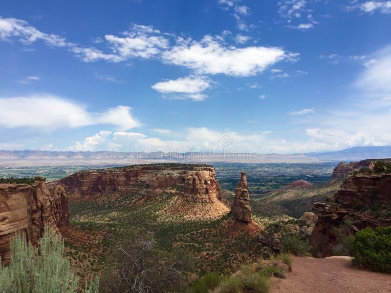 Onafhankelijkheidsmonument, Monumentencanion, het Nationale Park van Colorado stock afbeeldingen