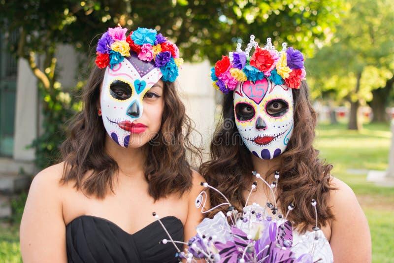 Onbekende meisjes bij de 15de jaarlijkse Dag van het Dode Festival royalty-vrije stock afbeeldingen