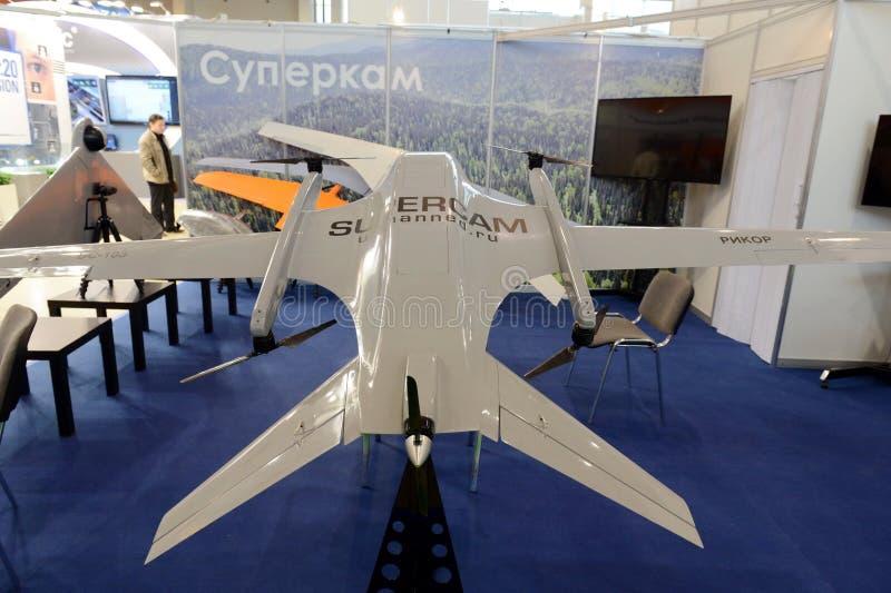 Onbemande luchtvoertuiguav bij de internationale tentoonstelling ` Interpolitex ` stock afbeeldingen