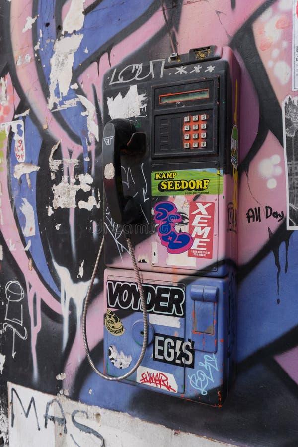 Onbruikbare openbare payphone stock afbeeldingen