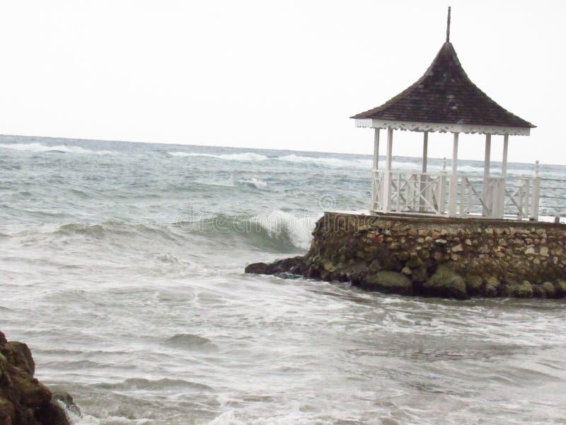 A onda após a tempestade foto de stock