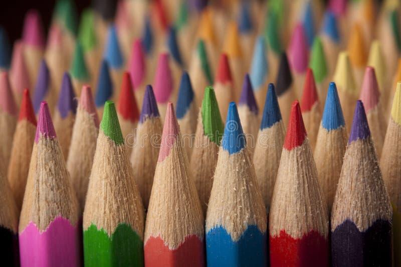 Onda colorida dos lápis imagem de stock royalty free