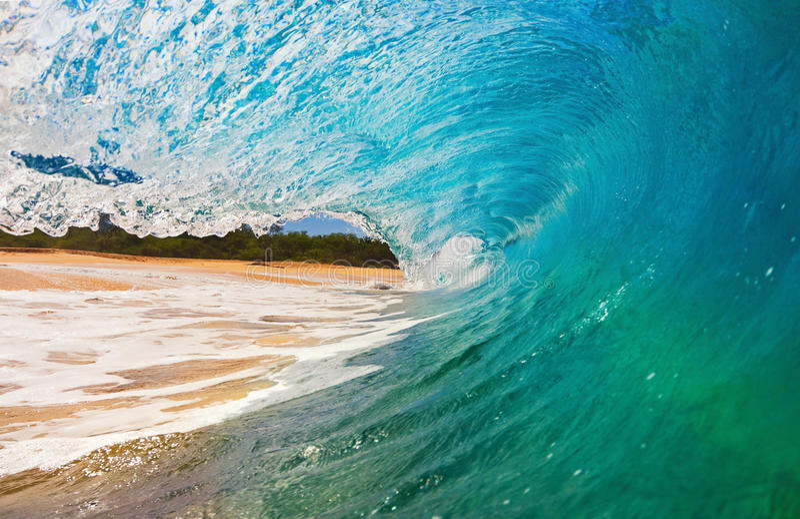 Onda de oceano na praia imagens de stock