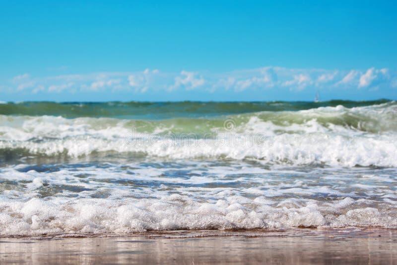 Onda del mar con espuma fotografía de archivo