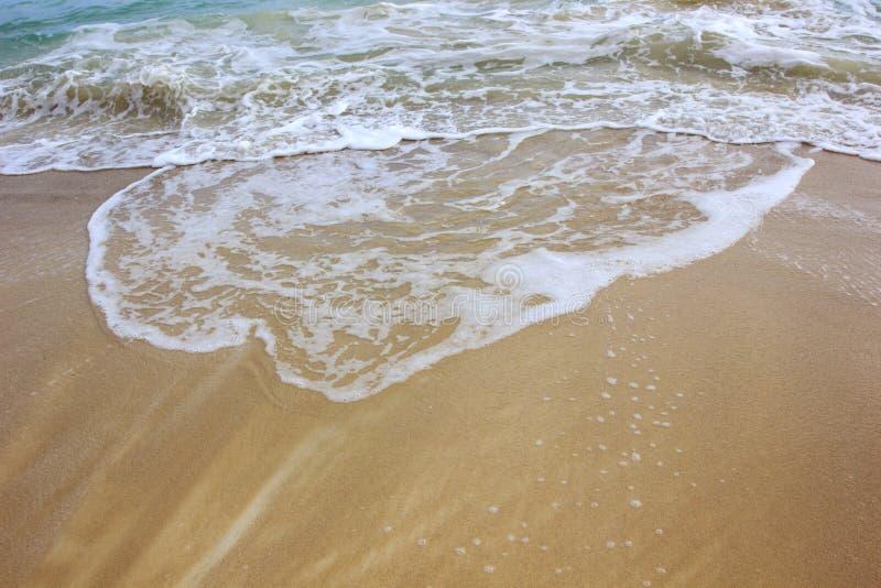Download Onda Del Océano En La Playa De La Arena Foto de archivo - Imagen de suave, pedazo: 42444488