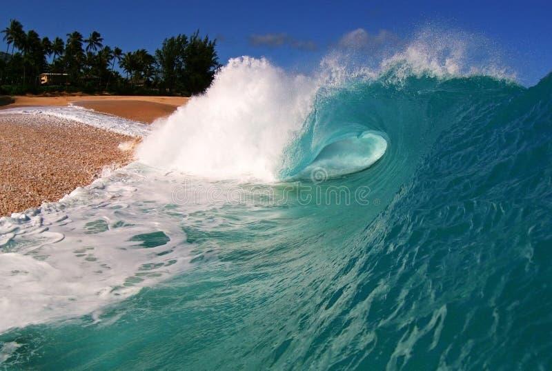 Onda di oceano alla spiaggia di Keiki fotografie stock libere da diritti