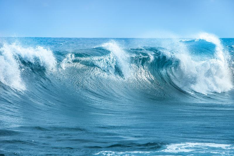 Onda em Oceano Atlântico imagem de stock royalty free