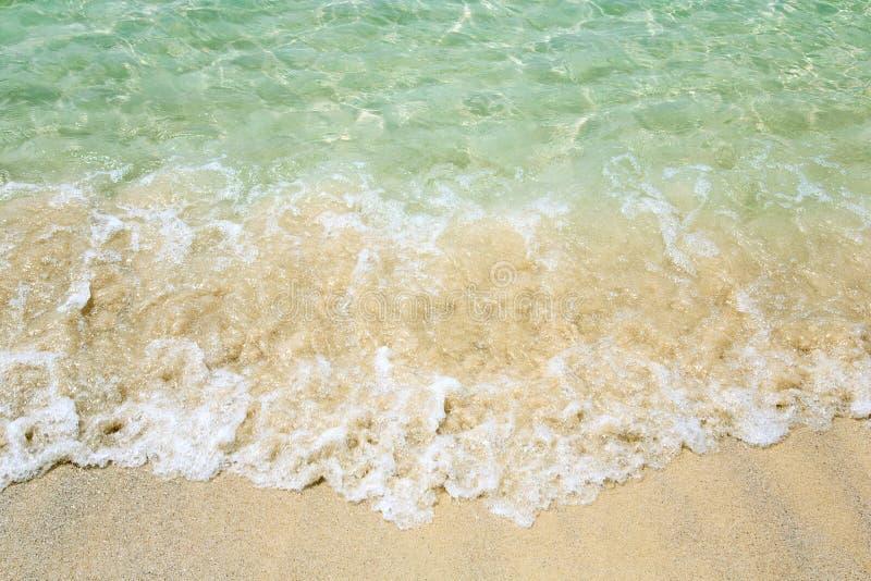 Download Onda en la playa foto de archivo. Imagen de caliente - 42431178