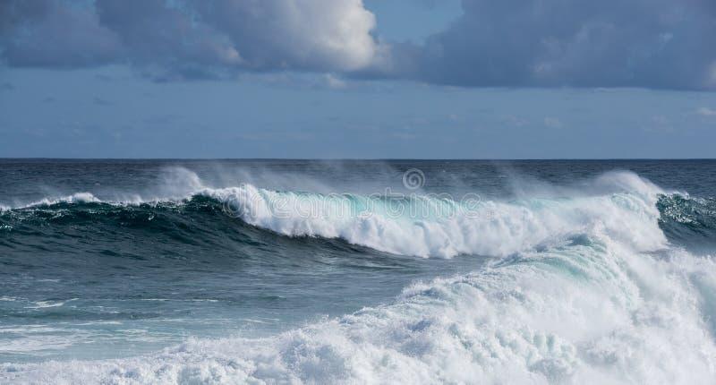 Onda grande del mar foto de archivo libre de regalías